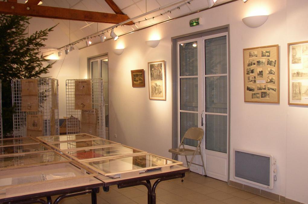 Maison du village à St Jean les 7, 8 et 9 octobre 2011. Entrée libre.