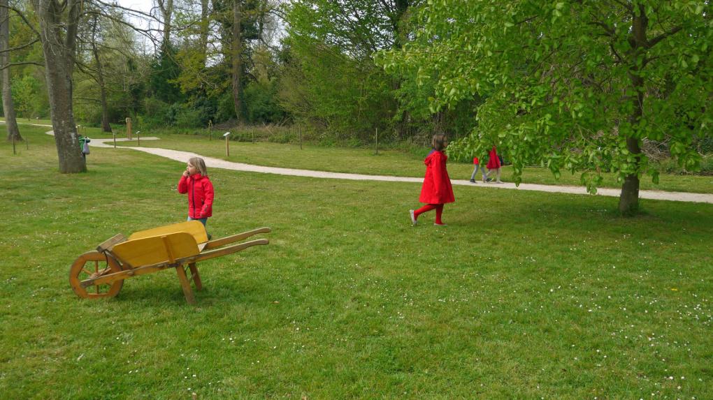 Fournil, tournées, ramassage du bois en forêt, tout le travail quotidien de Robert Levert.