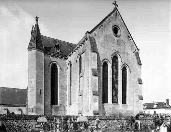 Cimetiere--abside-de-l-eglise-1.jpg