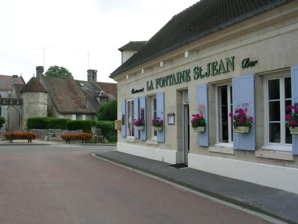 16-La-Fontaine-St-Jean.JPG