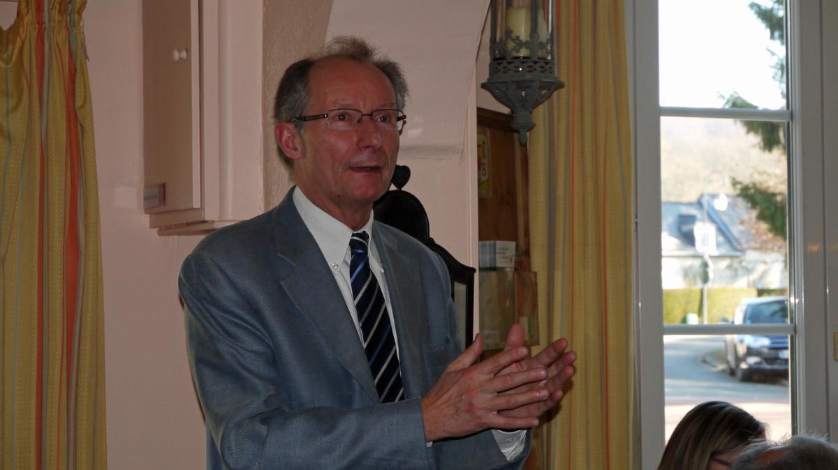 Bertrand Brassens nous présentant un contrôle fiscal